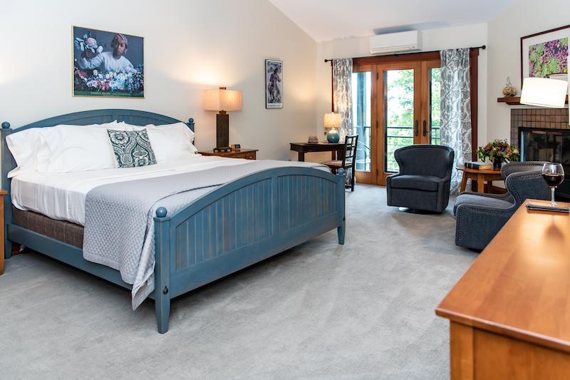 Asheville luxury lodging room